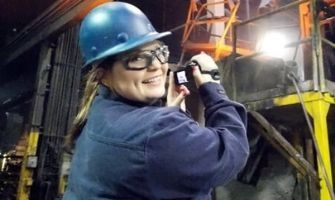 Chelsea Haselip interns at Waupaca Foundry